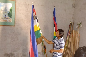 Jose, a member of OSMIJ discussing the significance of the colors in the Kakawira flag