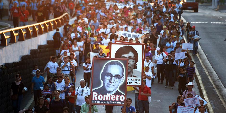 web3-oscar-romero-procession-march-el-salvador-000_was7371671-jose-cabezas-afp