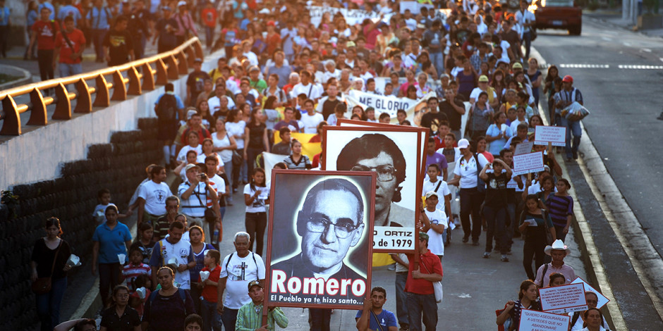 web3-oscar-romero-procession-march-el-salvador-000_was7371671-jose-cabezas-afp